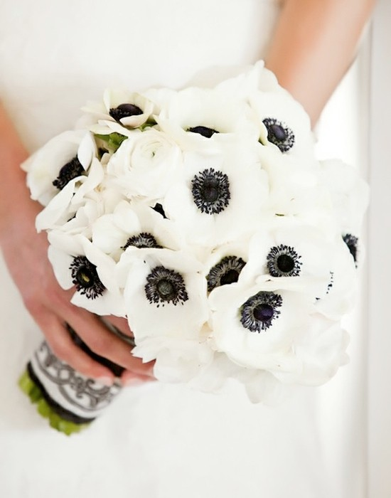 anemones weddngs by lilly come